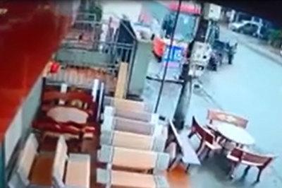 Pha đánh lái của tài xế khiến hành khách sợ hãi, la hét