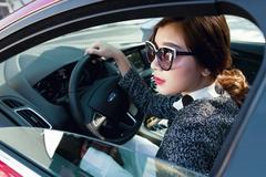 Mất ăn mất ngủ vì vợ thích học lái xe