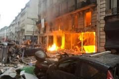 Nổ rung chuyển Paris: Người Việt không nên đến gần hiện trường