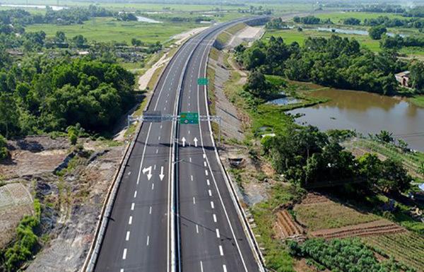 Cao tốc Bắc- Nam đoạn Diễn Châu- Bãi Vọt hơn 11.000 tỷ được kí kết