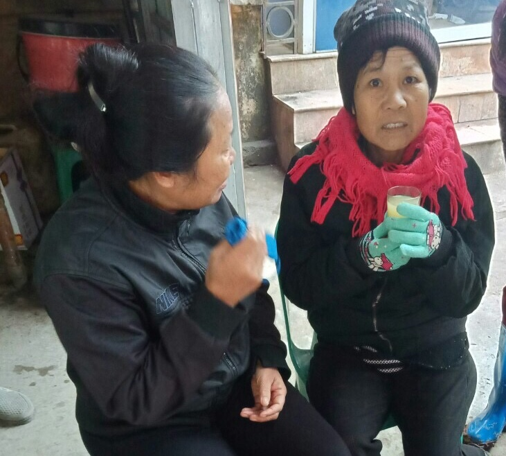 Mẹ bị bán đi Trung Quốc 20 năm, con đau xót sau khi nhìn bức ảnh