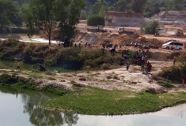 Bé trai 13 tuổi chết đuối thương tâm khi tắm ở hồ đá