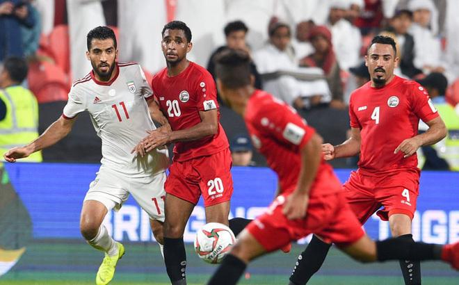 HLV Yemen hết lời khen ngợi tuyển Việt Nam trước trận quyết đấu