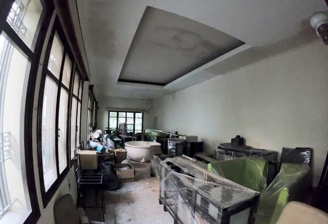 biệt thự bỏ hoang
