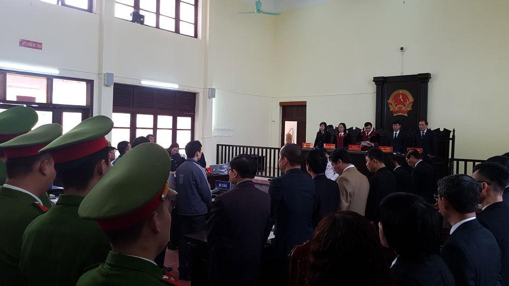 chạy thận,Hoàng Công Lương,bác sĩ Hoàng công Lương,Hòa Bình,xét xử bác sĩ Hoàng Công Lương