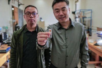 """Công nghệ mới: """"Ăn"""" thiết bị nano để giúp chống béo phì"""