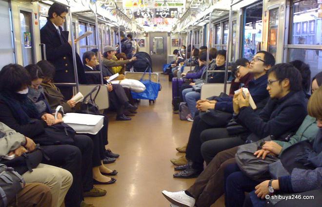 Những cú sốc của du học sinh ở Nhật: Vá xe đạp mất gần 1 triệu, hot boy cũng nhịn cắt tóc vì sợ tốn tiền!