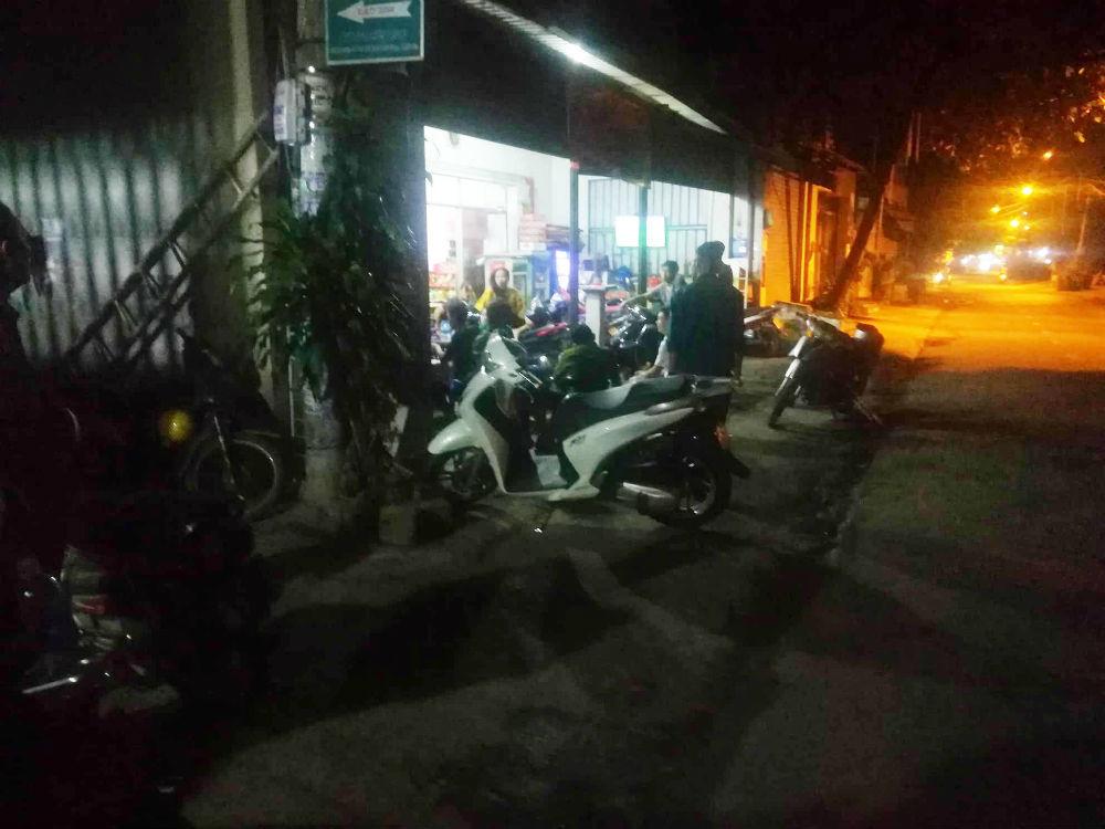 Mâu thuẫn dưới quê, nhóm thanh niên lên Sài Gòn chém người