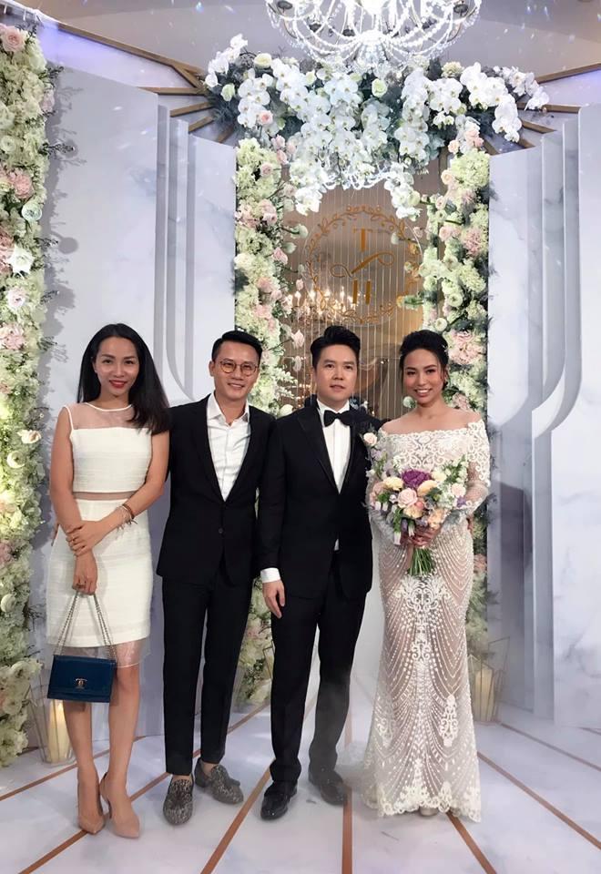 Mr. Đàm, Lệ Quyên đến dự đám cưới Lê Hiếu và vợ 9X