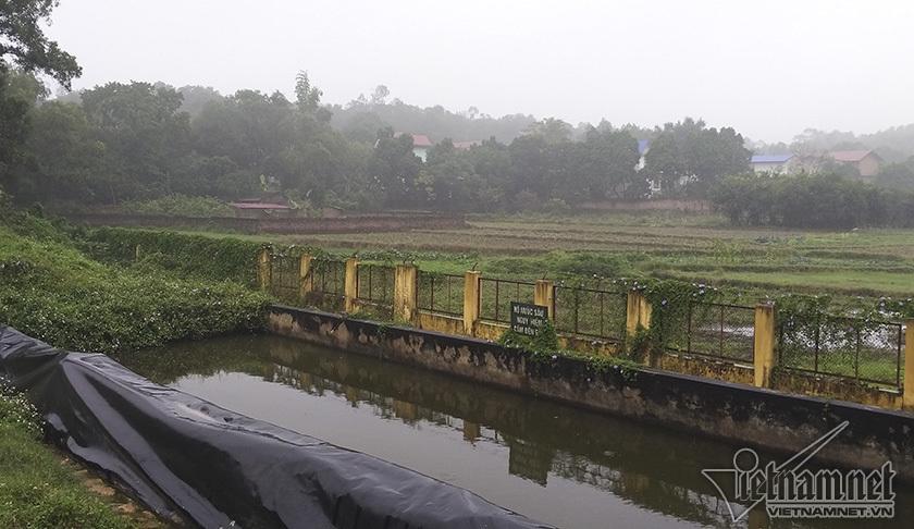 Hình ảnh bãi rác lớn nhất thủ đô khiến dân Sóc Sơn chặn đường