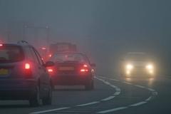 Sương mù có thể gây tai nạn cho lái xe như thế nào?