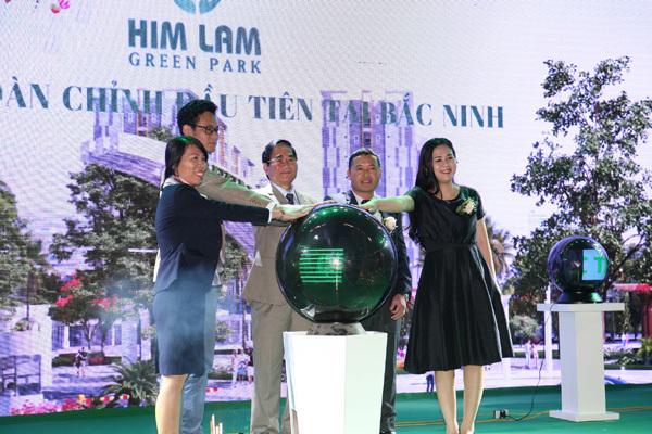 Him Lam Green Park hút khách ngày đầu ra mắt