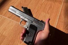 Hà Nội: Dùng súng nhựa, xông vào căn hộ chung cư cướp tiền tỷ