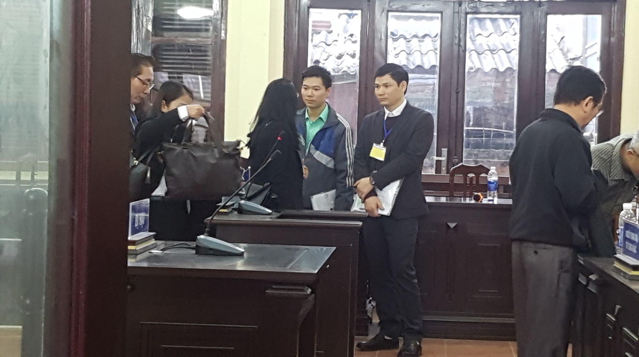 Hoàng Công Lương,chạy thận,bệnh viện Đa khoa tỉnh Hòa Bình,xét xử bác sĩ Hoàng Công Lương,Hòa Bình
