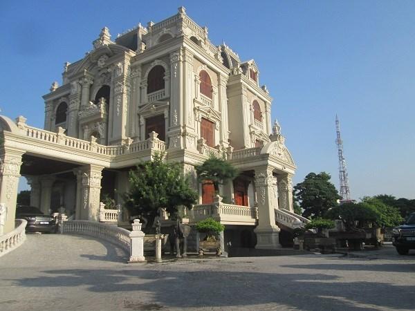 Ngắm cơ ngơi lộng lẫy, xa hoa của các đại gia Việt