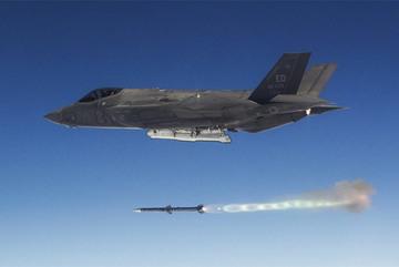 Ấn tượng tiêm kích F-35 hạ gục cùng lúc 5 mục tiêu