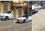 Người phụ nữ cầm búa đập nát xe sang Mercedes-Benz 2 tỷ