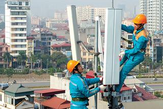 TP.HCM đề xuất triển khai trạm BTS 5G trên biển báo giao thông, đèn đường