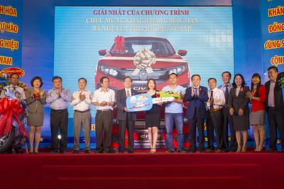 Khách hàng Đắk Lắk mua yến sào Sanest trúng ô tô