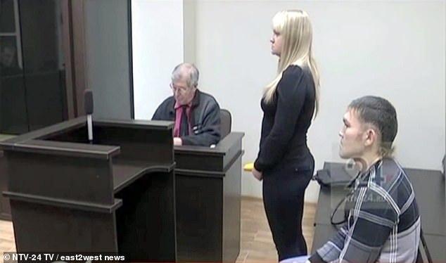 bạn gái,đâm chém,Nga,cầu hôn