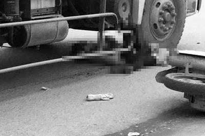 Va chạm với xe đạp, cô gái 9X bị xe tải cán chết thảm