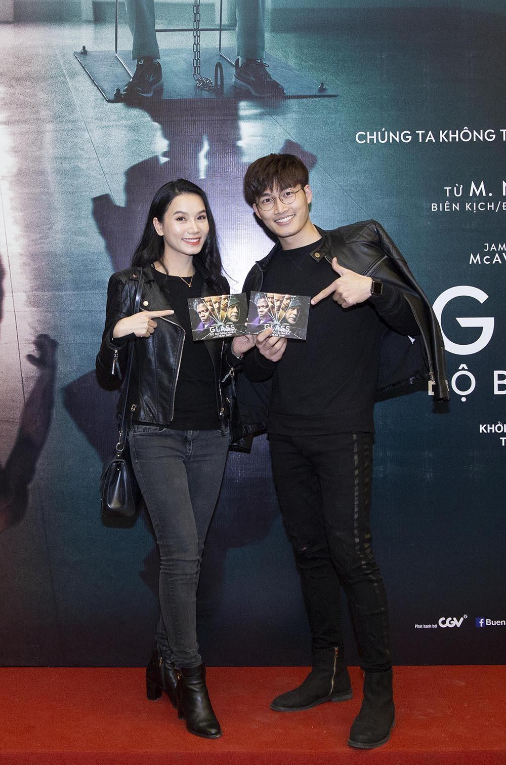 Lương Giang diện đồ cá tính đi xem phim