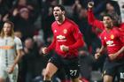 MU tống khứ người thừa, Arsenal mượn gấp James Rodriguez
