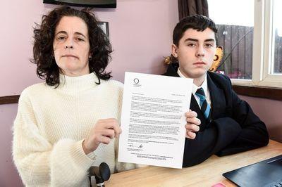 Mẹ cho con tự học ở nhà vì trường cấm nói chuyện tại hành lang