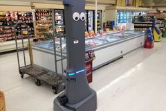 172 siêu thị tại Mỹ bắt đầu trang bị robot trợ giúp
