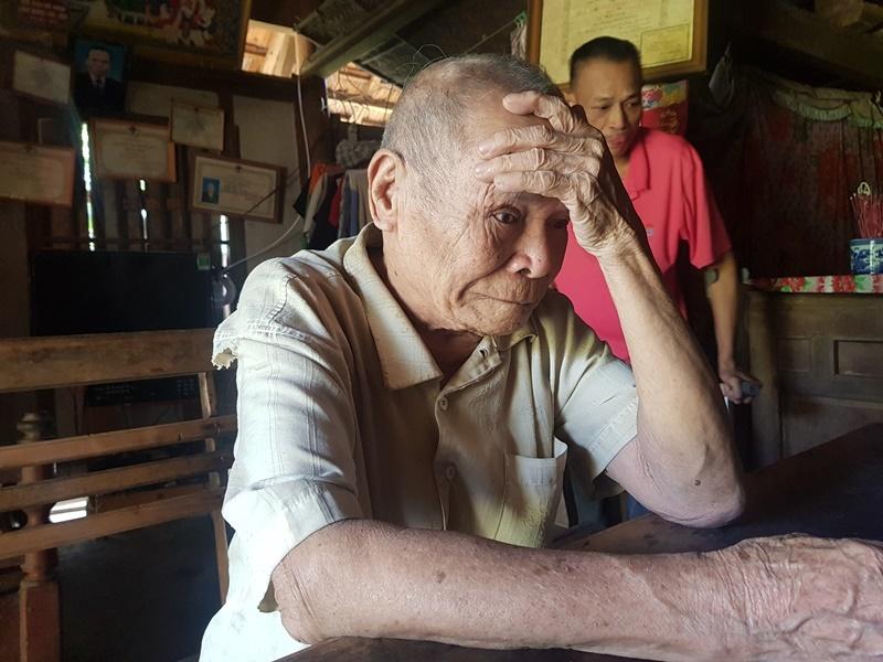 Cụ bà 86 tuổi mong có gạo cho chồng mù và con trai tàn phế