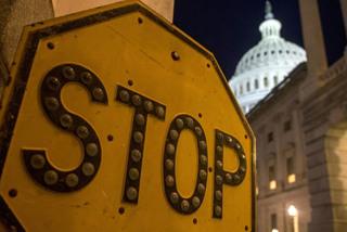 Kinh tế Mỹ thiệt hại nặng thế nào khi chính phủ đóng cửa?