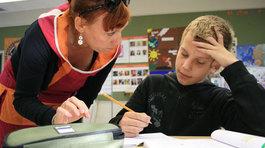"""Nước nào """"hào phóng"""" số 1 trong đãi ngộ giáo viên?"""