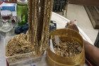 Phát hiện 2 đối tượng bán hơn 230 lượng vàng nghi bất hợp pháp
