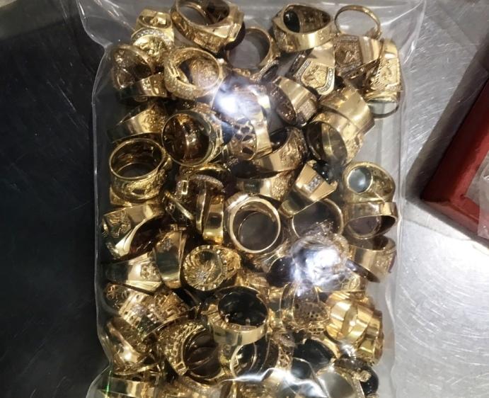 Công an Quảng Nam truy tìm chủ nhân của  230 lượng vàng Tây