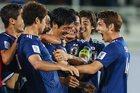 Ngược dòng hạ Uzbekistan, Nhật Bản toàn thắng vòng bảng