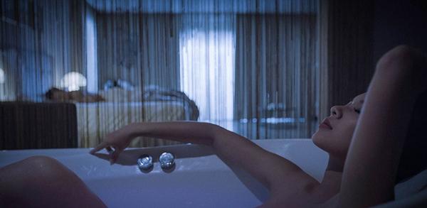 Á quân The Face 2017 ngượng chín mặt kể chuyện tắm trần trong phim