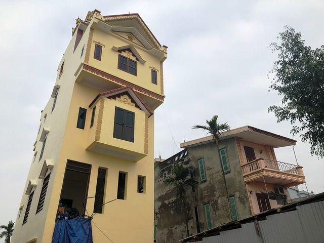Cận cảnh ngôi nhà 5 tầng nghiêng như 'tháp nghiêng Pisa'