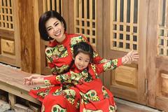 Mai Phương chụp ảnh thời trang cùng con sau nhiều tháng điều trị ung thư