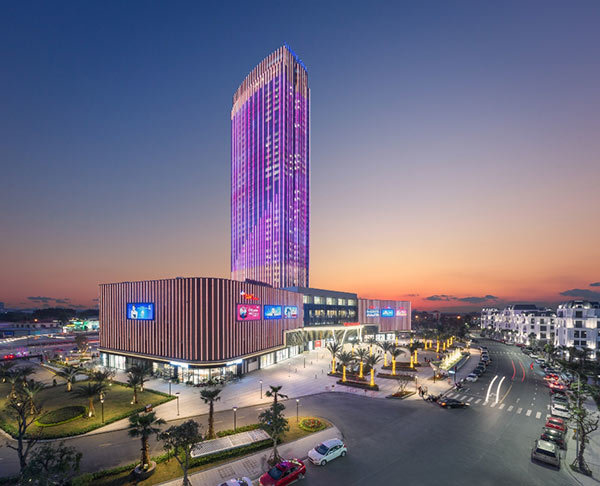 Vingroup khai trương tổ hợp TTTM và khách sạn 45 tầng