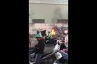 Tp HCM: Vợ chồng đang đèo nhau, xe bỗng phát cháy dữ dội