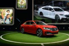 Volkswagen Passat sẽ có khung gầm già tuổi như khách hàng