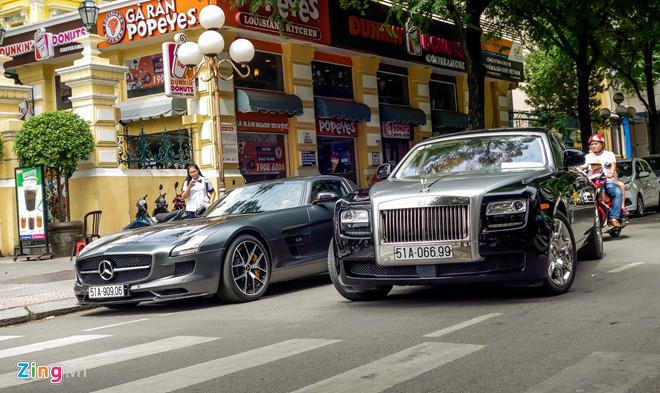 Đẳng cấp chơi siêu xe triệu USD của nhà ông Johnathan Hạnh Nguyễn