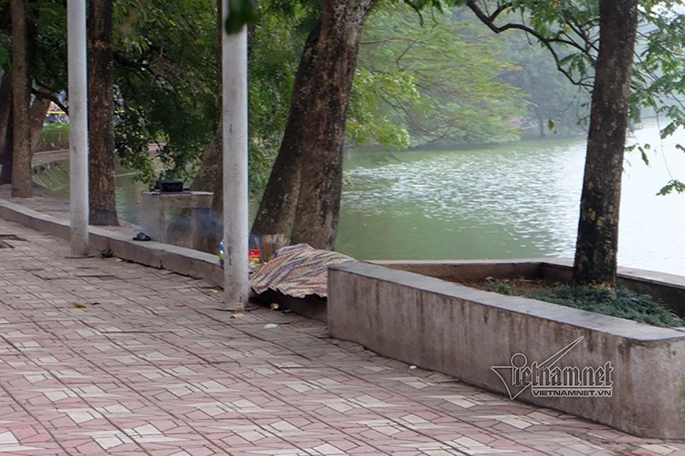 Cố tình nhảy xuống hồ Gươm, người đàn ông tử vong