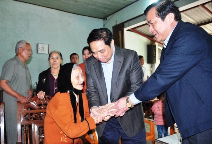 Trao quyết định bổ nhiệm Bí thư Quảng Nam cho ông Phan Việt Cường