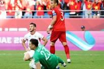 Tinh thần thi đấu tuyệt vời của ĐT Việt Nam khiến dân mạng phấn khích: 'Như xem World Cup'