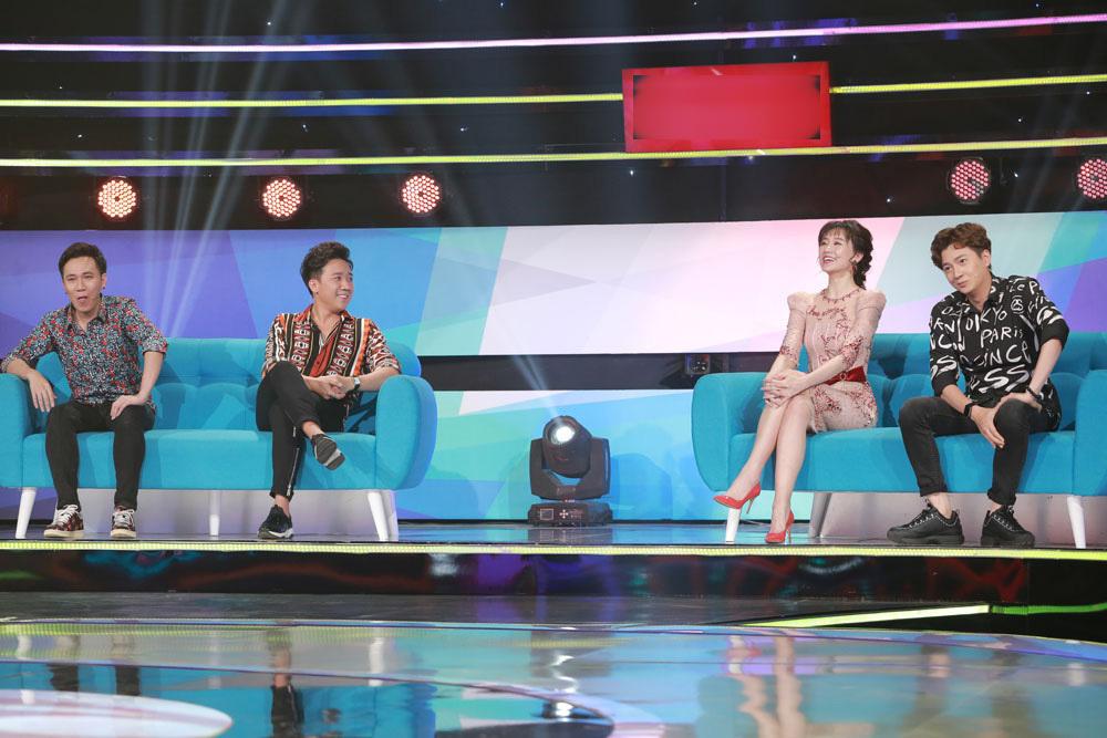 Trấn Thành - Hari Won đối đầu nhau trên ghế nóng