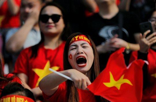 Rưng rưng hình ảnh tuyển Việt Nam phủ đầy quê nhà thầy Park