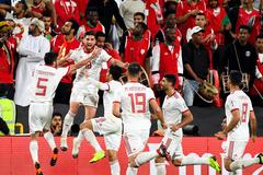 Thắng dễ Oman, Iran chiến Trung Quốc ở tứ kết