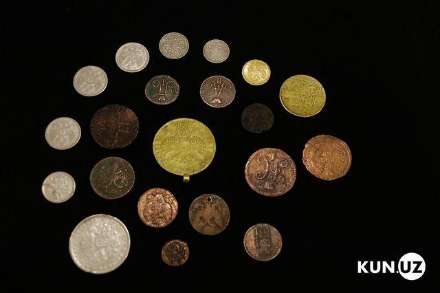 Đào hầm nhà cổ, bất ngờ vớ được kho báu hơn 20 tỷ đồng