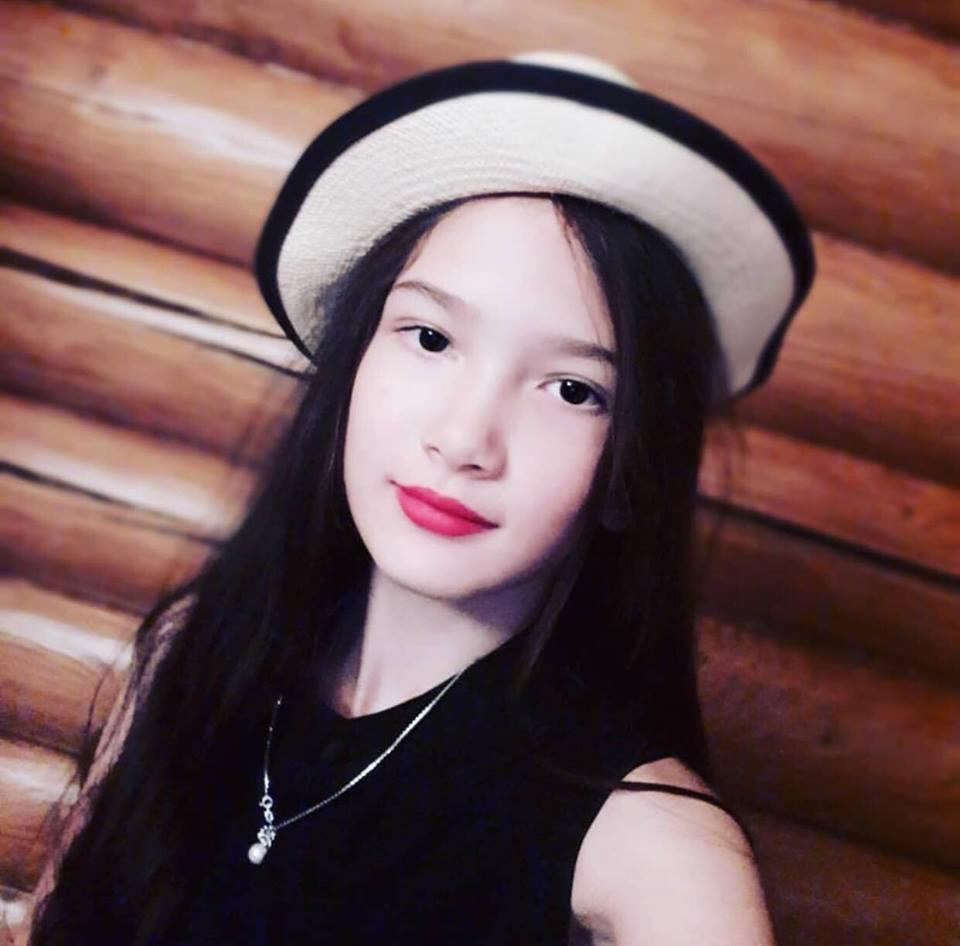 Em gái diễn viên múa ít người biết của thủ thành Đặng Văn Lâm